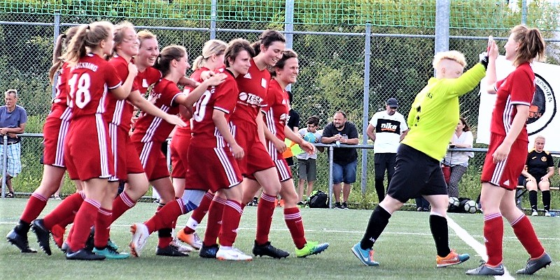 Frauen gewinnen Relegation