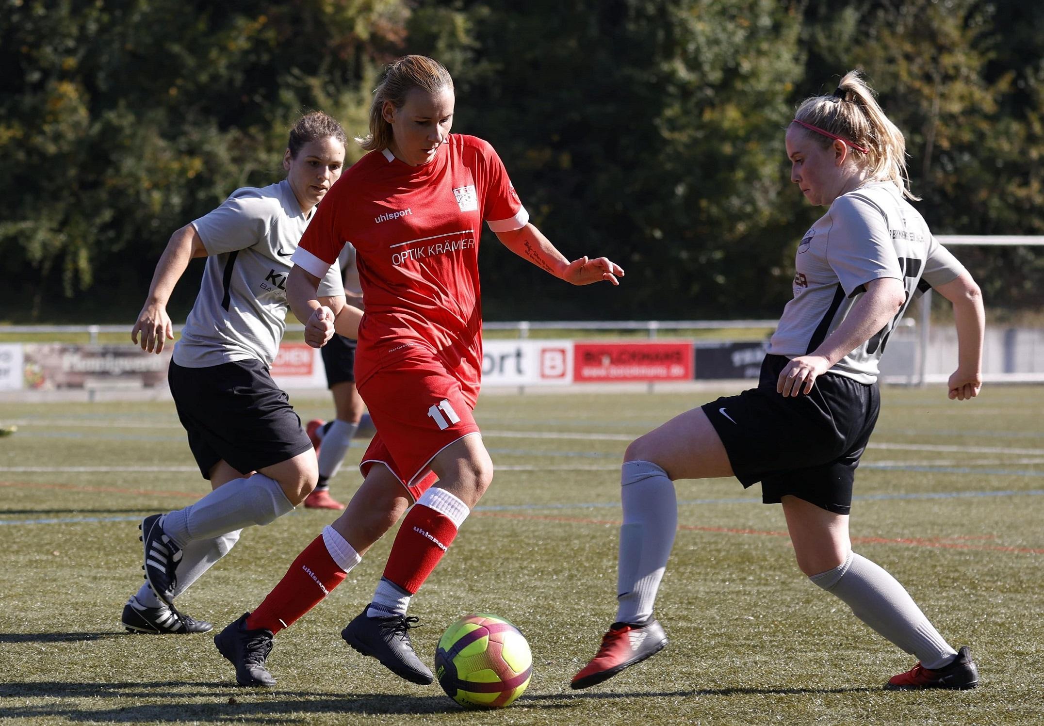 0-1 Niederlage mit 9 Spielerinnen